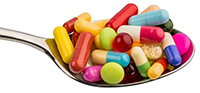 Control de exceso de fármacos y ajuste de dosis.